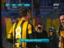 Skrót Defensor Sporting <b>1-3</b> Penarol